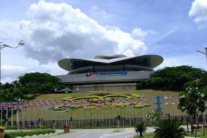 Putrajaya Full Day Tour (Per Vehicle)