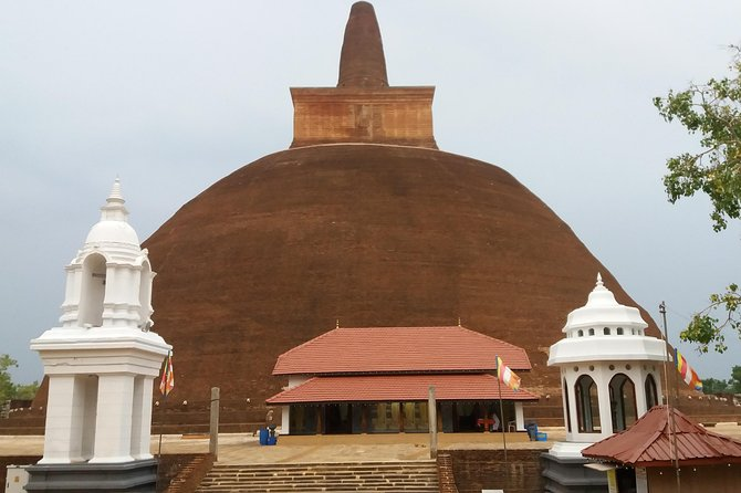 Anuradhapura Day Tour by private cab