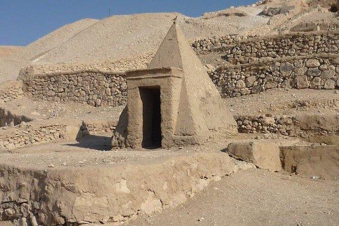 The Hidden Scene of Luxor (Valley of the Queens, Habu, Deir Al Madina & Nobels)
