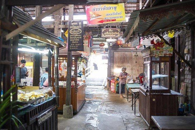 Chachoengsao Full Day Tour from Bangkok : Lord Ganesha Temple & BAT at Temple