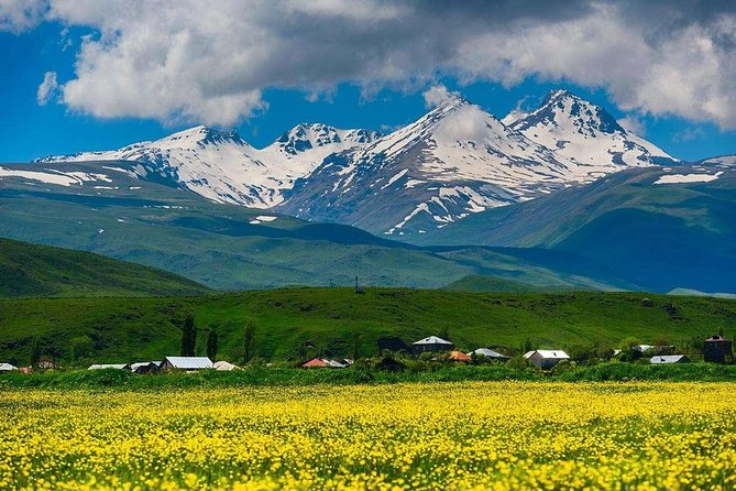 One Day Hiking Tour To The Northern Summit Of Aragats