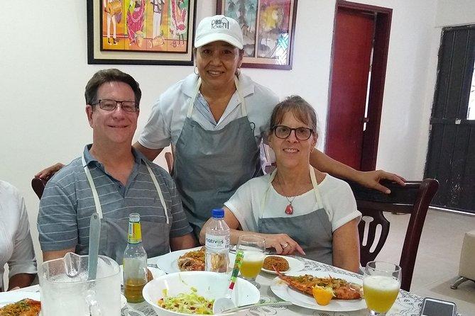 Bazurto Local Market Tour & Cooking Class