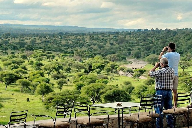 7 Days Migration Kenya and Tanzania private lodge safari photo 6