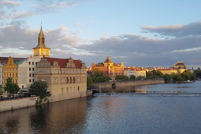 Prague and the best sites of the Czech Republic along the majestic Vltava River