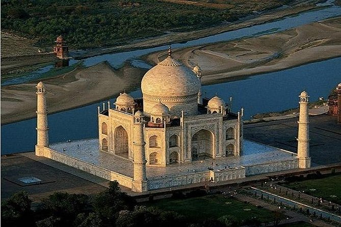 Same Day Taj Mahal Tour by AC Private Cab from Noida