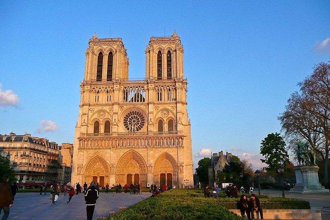 Paris Freaky Tour: 2h / 5 pers
