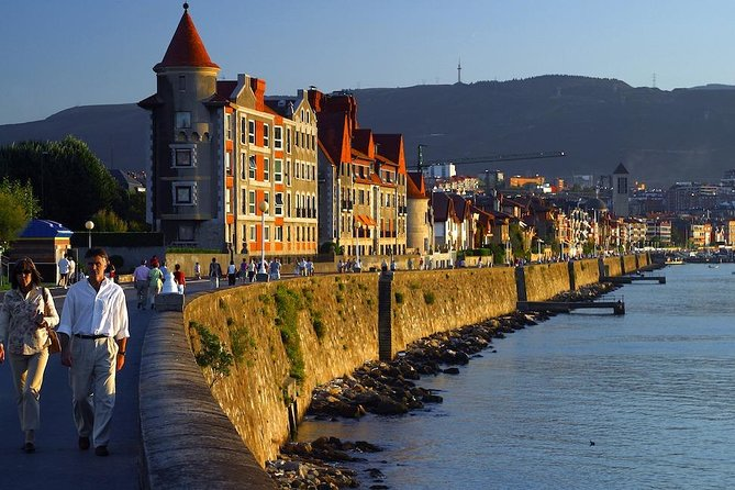 Half-Day Private Historic Walking Tour along the Iron River from Bilbao