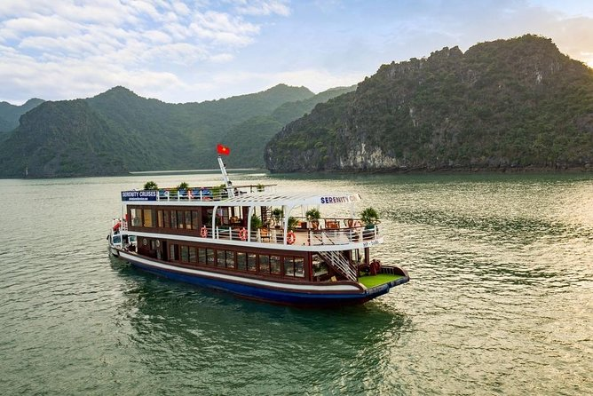 Lan Ha Bay&Ha Long Bay Cruise Luxury Day Tour: Expressway,Buffet Lunch,Kayaking