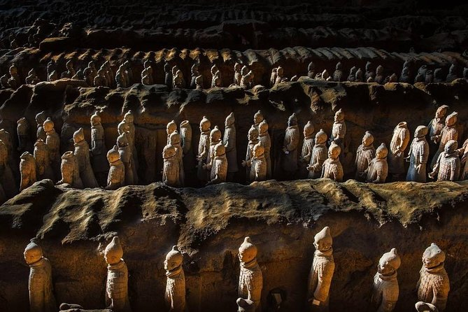 Xi'an in One Day from Hangzhou by Air: Terracotta Warriors, City Wall and More