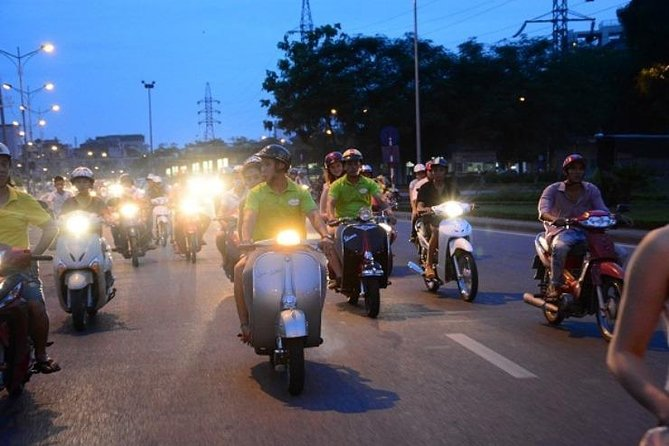 Hanoi by night food tour - Vespa tour