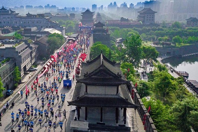 Xi'an in One Day from Dalian by Air: Terracotta Warriors, City Wall and More