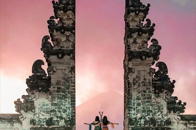 Bali: Private Car Hire with Chauffeur