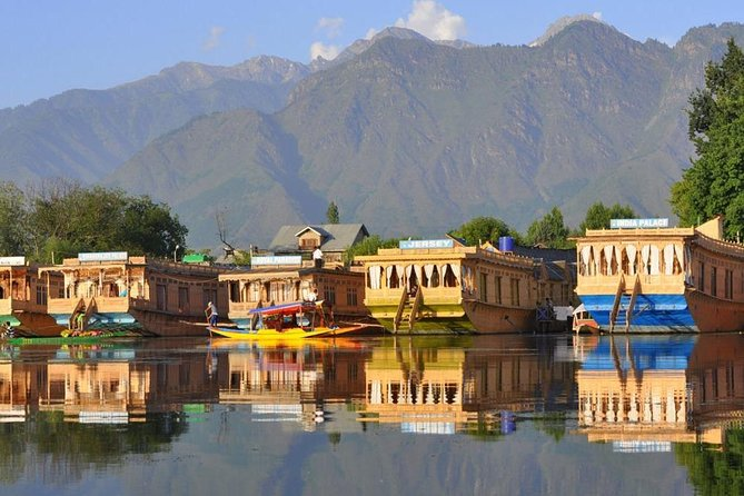 Kashmir Tour Package 02 Nights and 03 Days