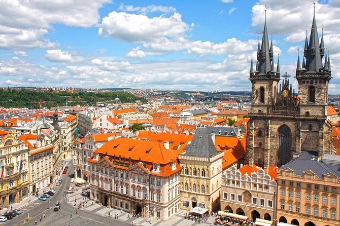Private Transfer from Airport Prague to Hotel in Prague