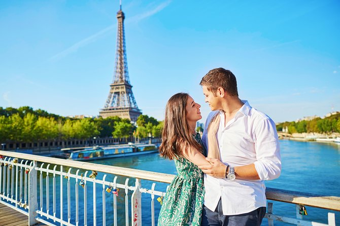 Paris Romantic Experience with Seine River Cruise & Moulin Rouge