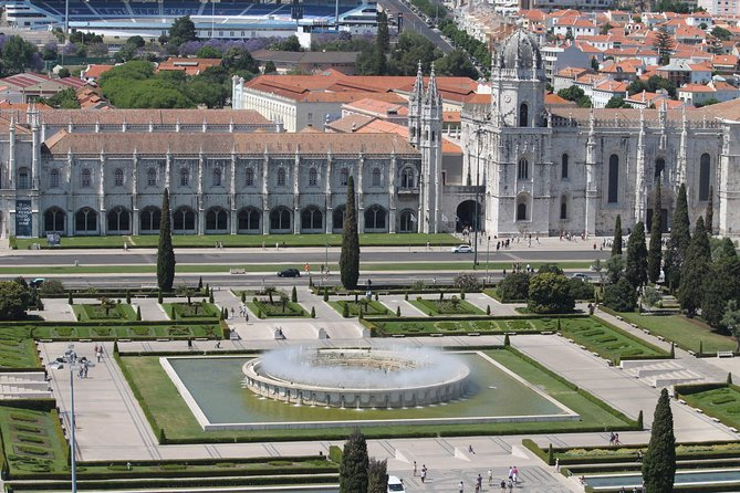 Discover Lisbon by comfy van - Private Half Day Tour photo 8