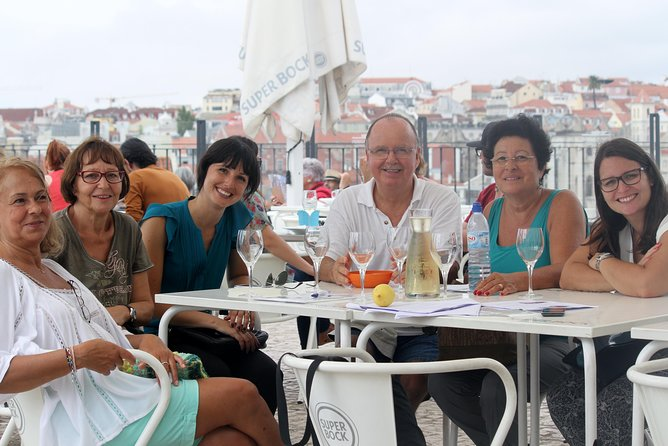 Discover Lisbon by comfy van - Private Half Day Tour photo 13