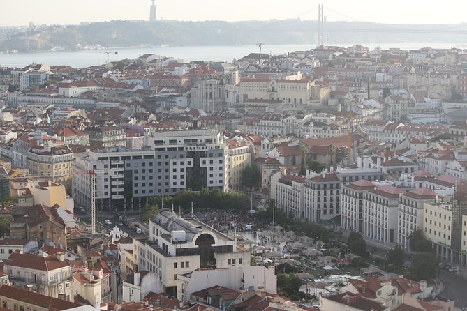 Discover Lisbon by comfy van - Private Half Day Tour photo 6