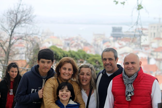 Discover Lisbon by comfy van - Private Half Day Tour photo 17