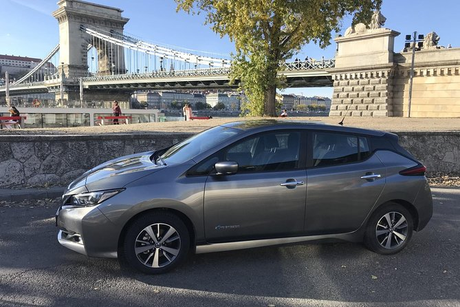 Private eco Sightseeing tour in Budapest by electric car