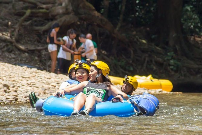 Private Tour: Cave tubing and zip-line from Belize City