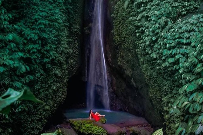Uluwatu sunset kecak dance & waterfall