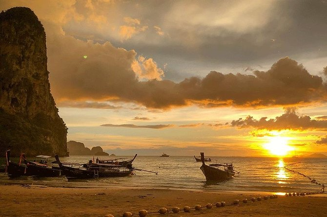Krabi Hong Islands Snorkeling and Sunset Tour by Longtail Boat