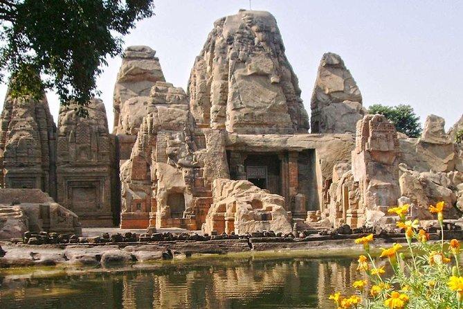 Historisk rundtur inklusive Unesco Kangra fort & Rock klippt tempel från Dharamshala
