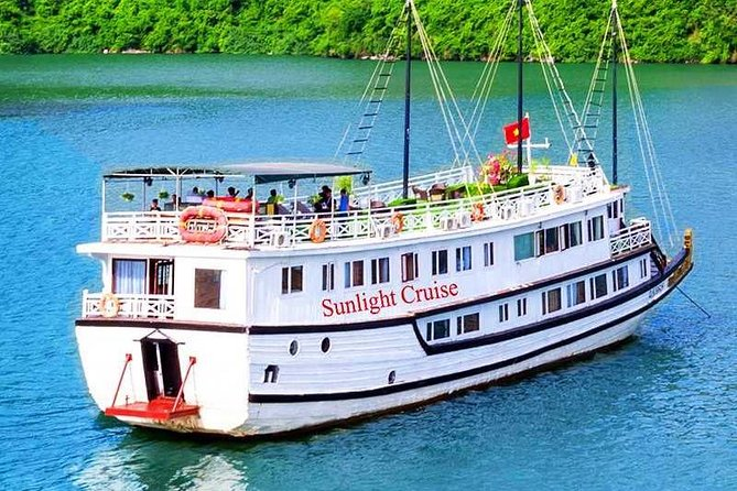 Sunlight Crusie 3 Days 2 Nights on Stay On Cabin Boat