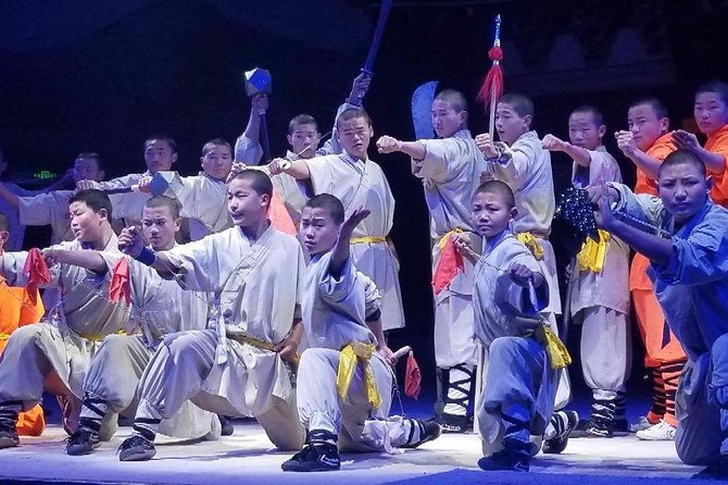 Private Day Tour to Shaolin Temple with Kungfu Show from Qingdao by Air