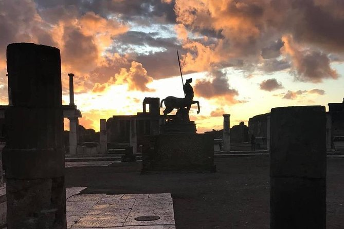 2.5-Hours Pompeii Ruins Private Sunset Tour with Admission