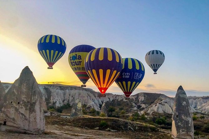 Atmosfer Balloons Hot Air Balloon Flight Over the Fairy Chimneys in Cappadocia