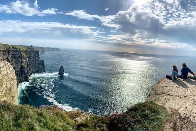 Full Day Priv. Tour to The Cliffs of Moher Hidden Gems -Dublin