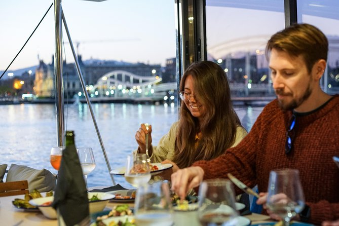 Private Lunch or Dinner & Sailing Experience on a Catamaran from Port Vell