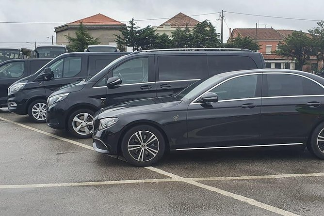 Sintra: Luxury Private Transfer To or From Lisbon Airport