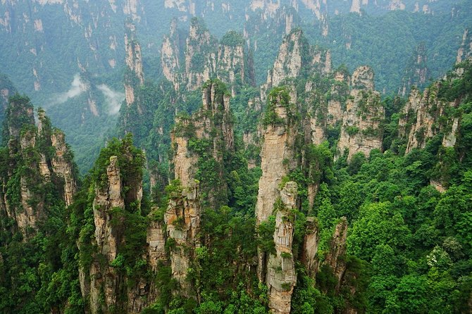 2-Day Private Tour to Zhangjiajie from Shanghai by Air with Accommodation