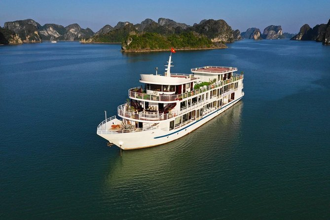 Halong Bay 3 Days 2 Nights (1 Night Luxury Cruise and 1 Night Sea View Bungalow)