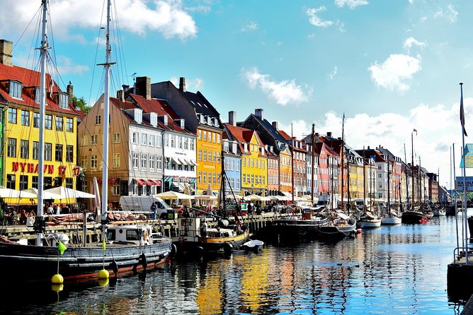 Arrival Private Transfer: Copenhagen Airport CPH to Copenhagen in Business Car