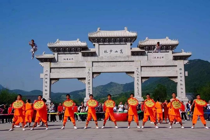Private Day Tour to Shaolin Temple with Kungfu Show from Shenzhen by Air