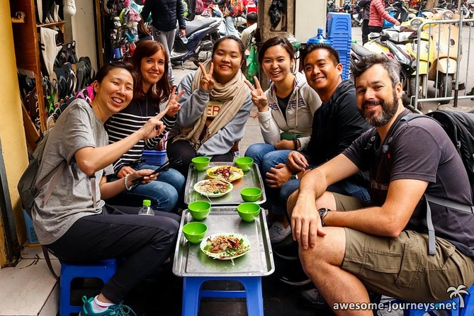 Hanoi Street Food Guided Walking Tour with Tastings