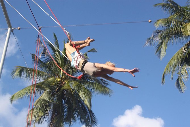 Fun Flying Trapeze Experience Group Class in Koh Tao Thailand