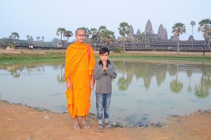 Private Sunrise Angkor Tour (everything is included in the package) photo 2