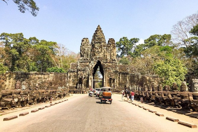 Angkor Wat Tour by Car and Expert Tour Guide photo 24