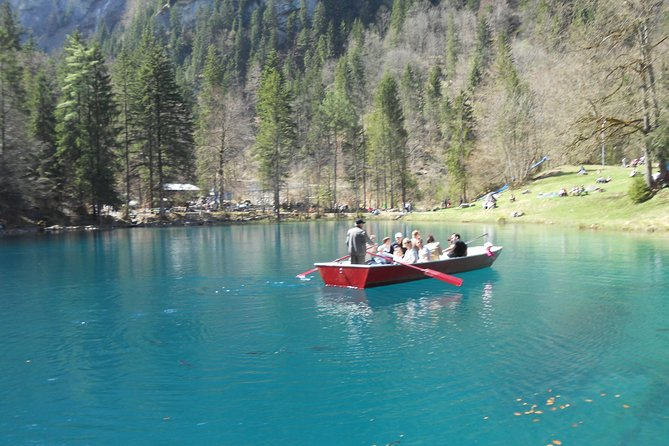 Lake Thun and Blausee Private Half-Day Tour from Interlaken