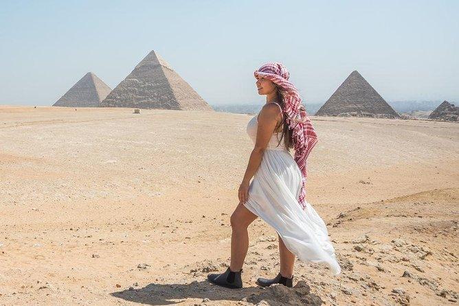 Pyramid Highlights: private Day Tour to Giza Sakkara and Dahshur from Cairo
