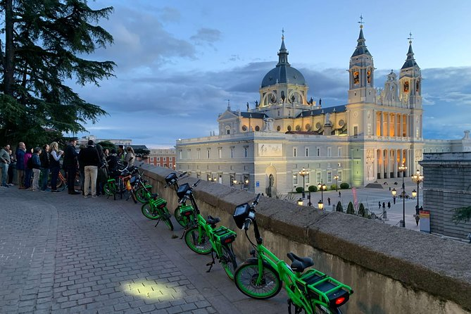 Madrid Sunset and Night Lights eBike tour