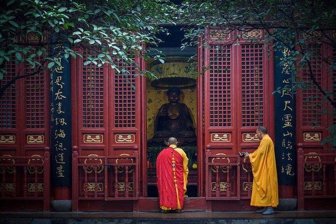 2-Day Private Tour from Xiamen with Hotel:Shaolin Temple and Longmen Grottoes