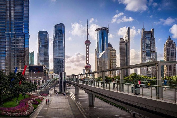 Private Customized Tour: Shanghai City Highlights in One Day