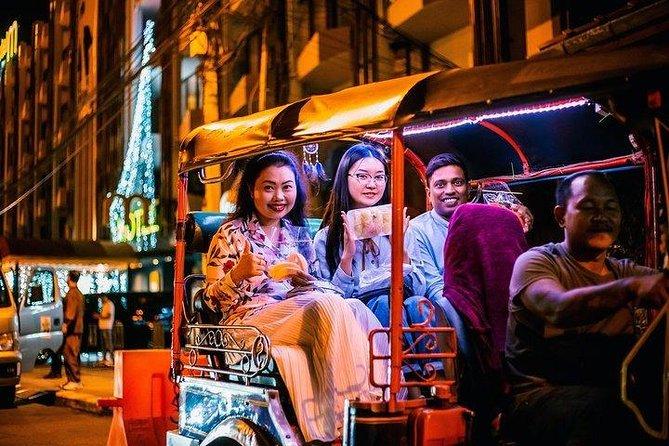 Chiang Mai Small Group Tuk Tuk Experience under the Moonlight