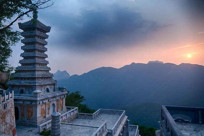 Private Full-Day Tour to Shaolin Temple and Mt.Song from Zhengzhou